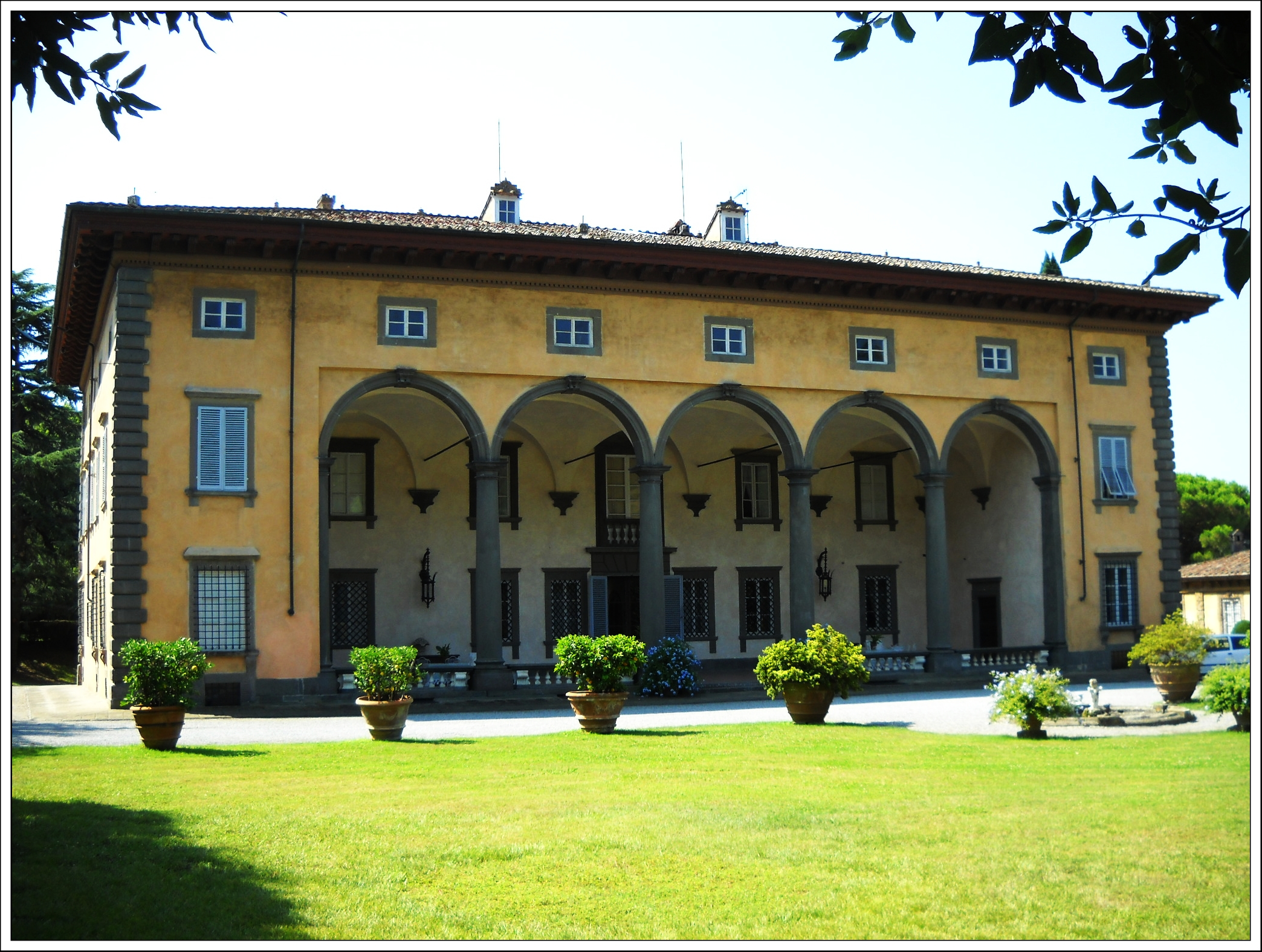 villa torrigiani travel across italy. Black Bedroom Furniture Sets. Home Design Ideas