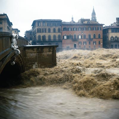 ponte-santa-maria-flood-one