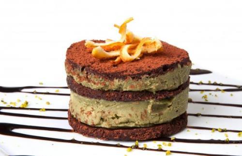 tortino_di_cioccolato_pistacchi_di_bronte_e_marmellata_di_arance_www-imagesplitter-net_